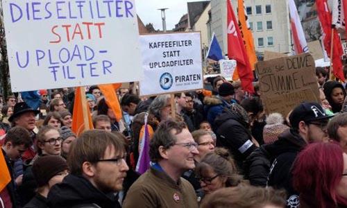 upload-filter-further-bundnis-protestiert