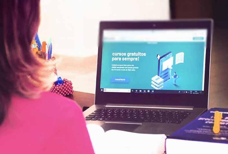 universidade-oferece-cursos-gratuitos-online-com-certificado.jpg