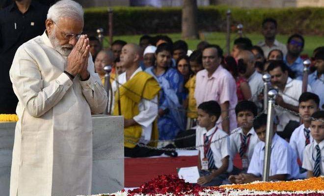 गांधी और शास्त्री की जयंती आज, पीएम मोदी, सोनिया और मनमोहन सिंह ने दी श्रद्धांजलि