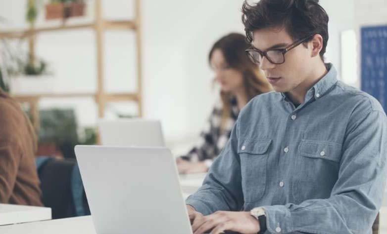 14-cursos-online-e-gratuitos-para-estudantes-de-administracao.jpg