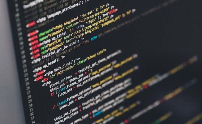 MEC oferece mais de 50 cursos gratuitos de TI com certificado online
