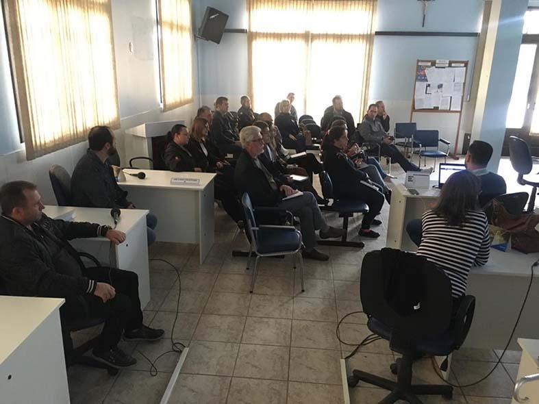 prestadores-de-servicos-em-formigueiro-recebem-treinamento-gratuito-sobre-emissao-da-nfs-e.jpg