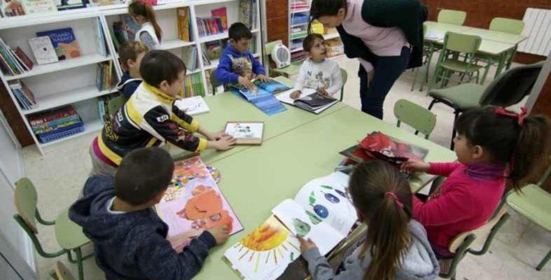 Visitas guiadas y cuentacuentos para celebrar el Día de la Biblioteca en Córdoba